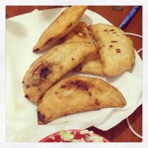 Empanadas de Caraota (Fríjol negro) con Queso