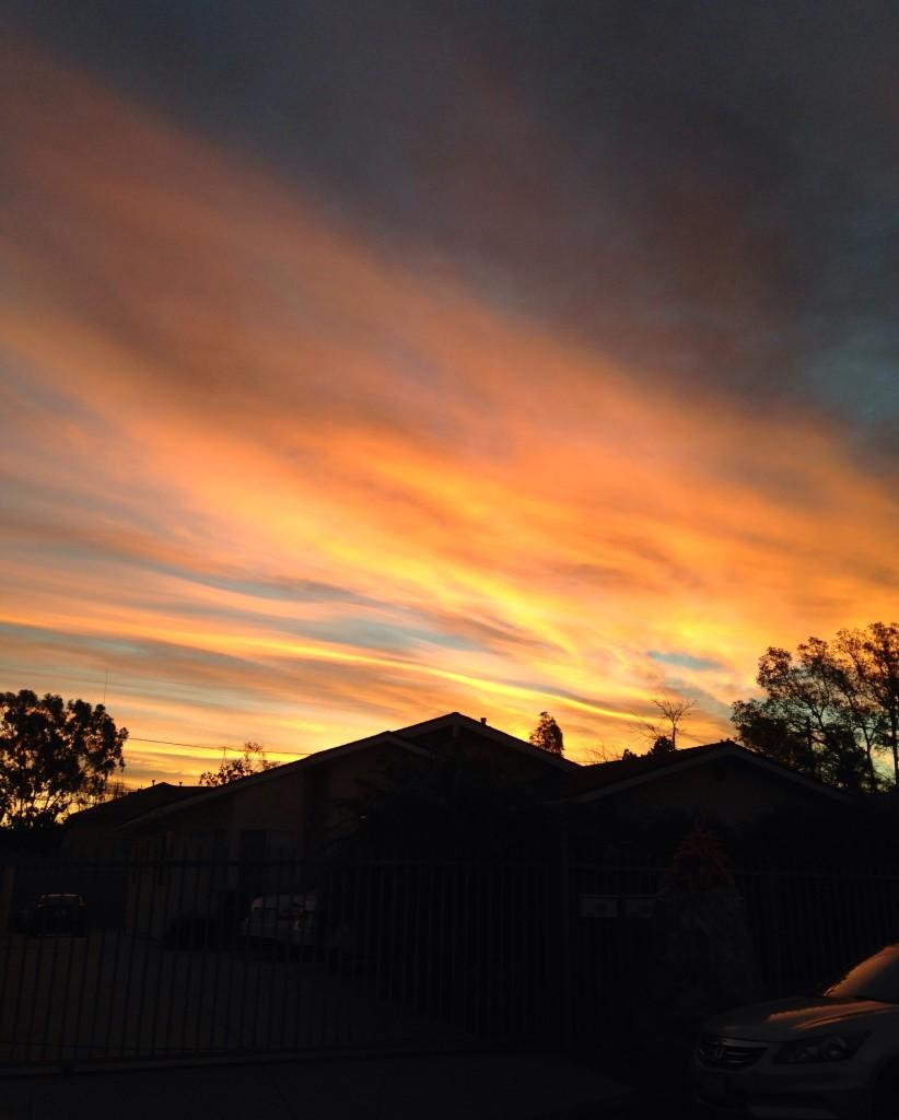 El primer día en que hubo un poco de luz a las 6:45 a.m. que salgo de mi casa.