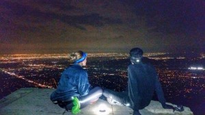 Echo Mountain con un amigo colombiano que es un duro subiendo montañas. Vista sobre Los Ángeles.
