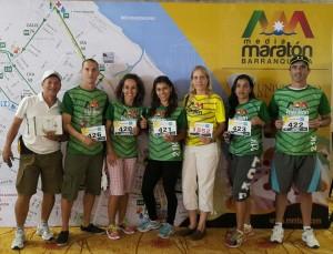 De izquierda a derecha: El profe Alfonso, Juan, Claudia, Patri, Silvia, Marilu y Jota.