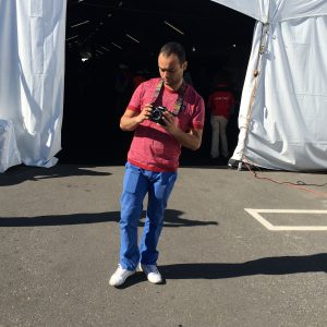 En el papel de fotógrafo