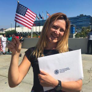 Al final de la ceremonia hoy en el Centro de Convenciones. El juez contó que 47 deportistas de la delegación de Estados Unidos nacieron en otro país y se nacionalizaron aquí. Tengo esperanzas :P